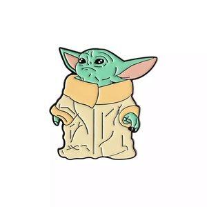 🎉 Baby Yoda Star Wars brooch pin